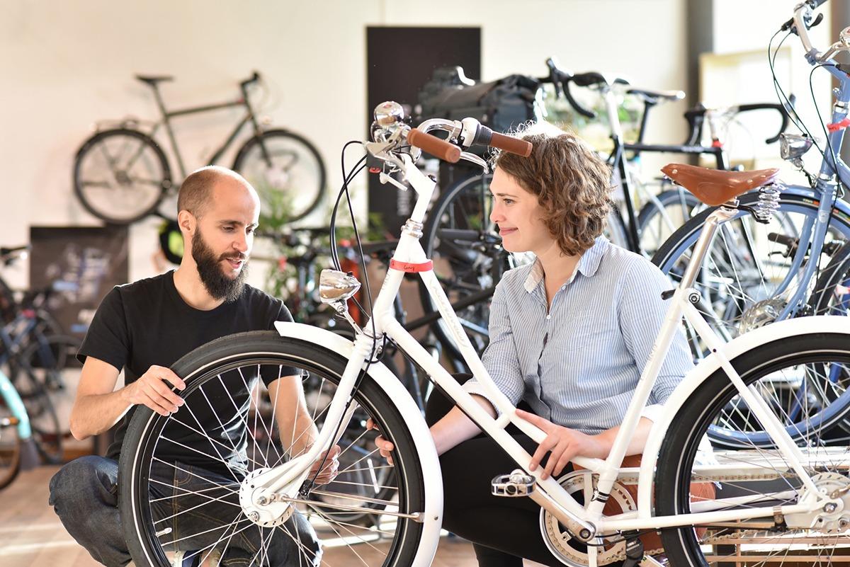 Der Fahrradladen Velo Wunderlich hat ein großes Sortiment an Fahrrädern und Zubehör